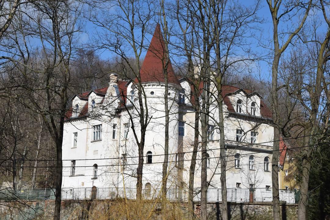 Kaczorów pałac