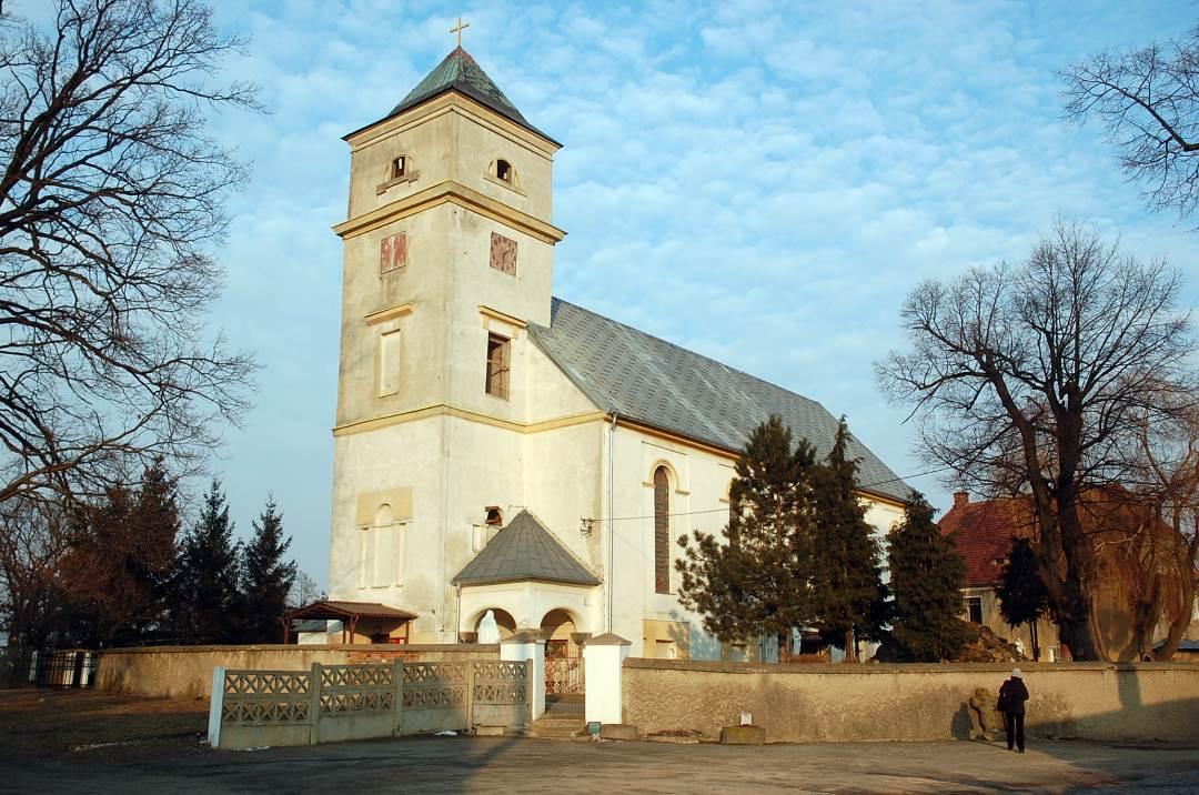 Tyniec Legnicki kościół